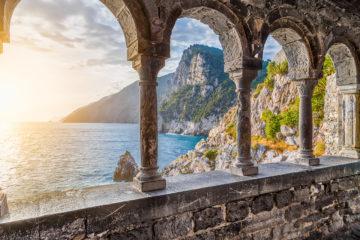 Qui troverete sia interessanti escursioni che dei posti per riposo. Insieme alle Cinque Terre il territorio di Portovenere è stato inserito tra i patrimoni dell'umanità.